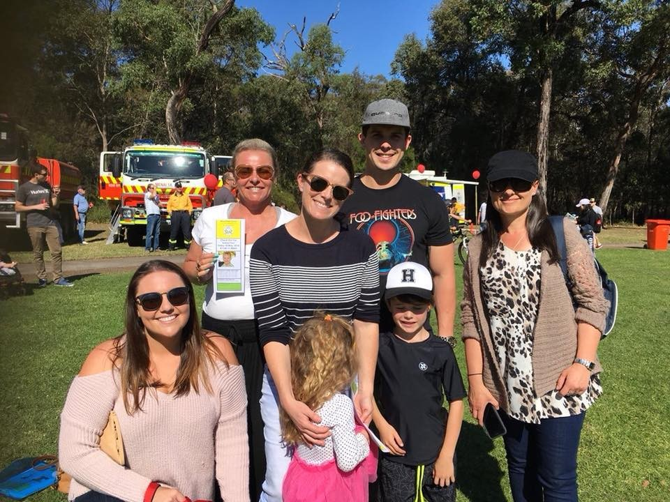 Students, families and teachers came together to thank our wonderful RFS volunteers for their efforts in saving our school and suburb during the April  bushfires.
